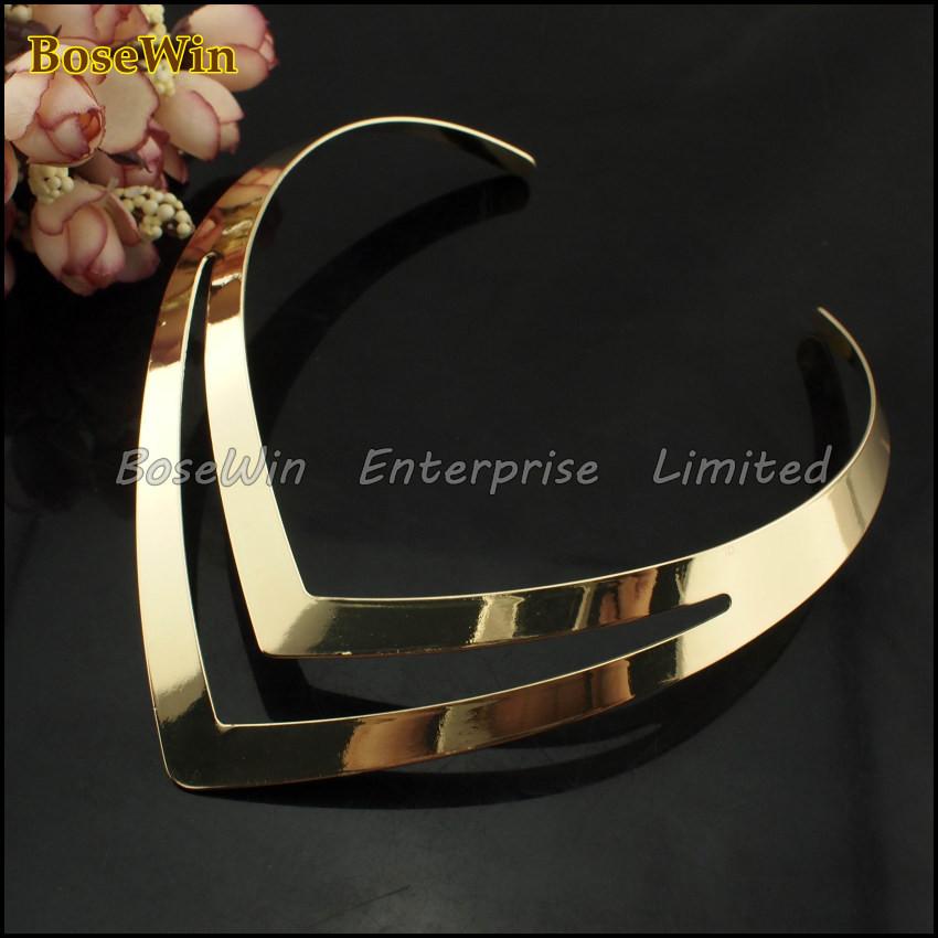 Hollow Out Design V Shape Золото Torques Модный Bib Воротник NeckКружевоs For Женщины Dress CE1193