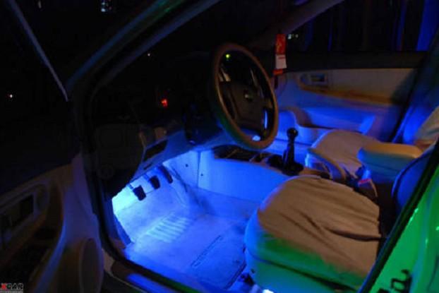 Свет в салон автомобиля