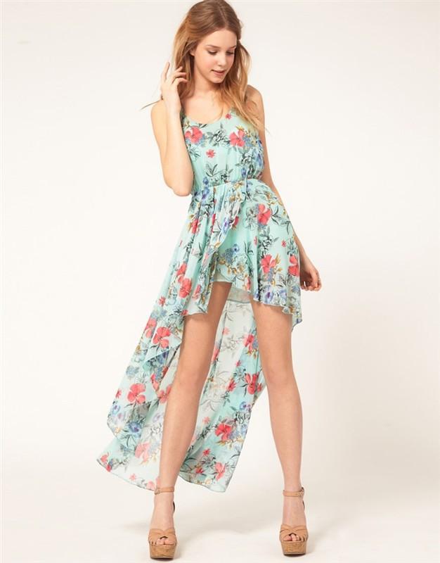 Цветочное платье со шлейфом