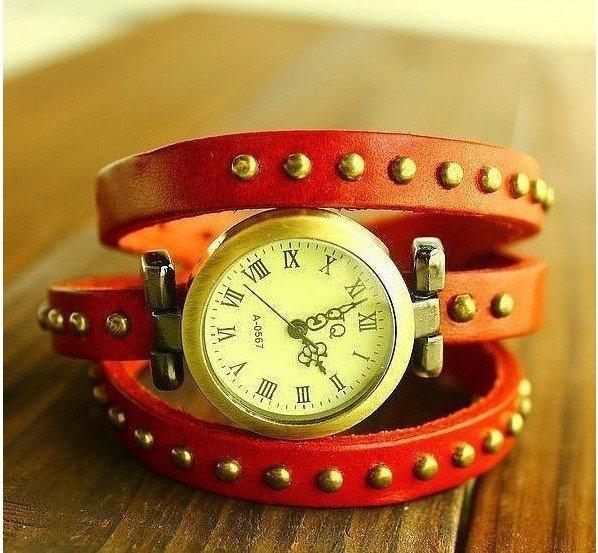 Стильные женские наручные часы Roman. Длина ремешка 44 см. Отличный подарок. Влагозащищенное исполнение