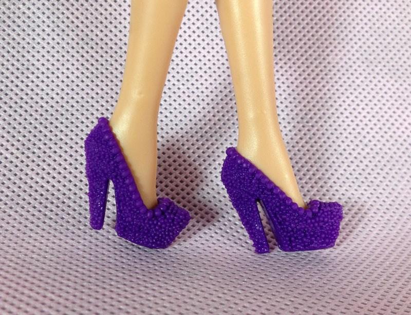 Как сделать кукле туфли на каблуке