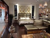 Кровать Antique King Size Leather Bed