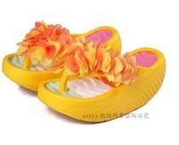 Женские сандалии Summer female platform wedges flower swing hole shoes slimming flip flops sandals beach slippers! Hot sale