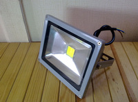 Газонная лампа Waterproof 20W 85-265V High Power Warm White/Cool White LED Flood light Outdoor Lamp Retail