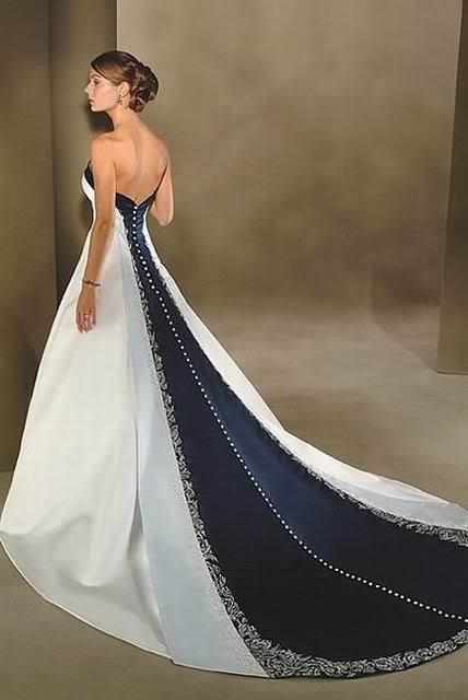 Платья длинный шлейф