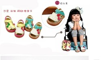 Сандалии для девочек 2013 Kids Shoes For Summer Girl Strawberry Kitty Girls Sandals Doll Princess Loose Children Shoes Искусственная кожа