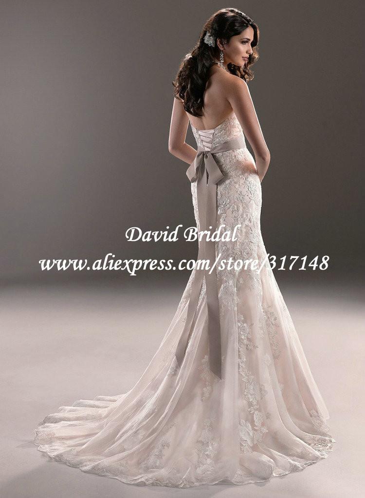 Потрясающий Милая стройная русалки стиль Кружева Свадебные платья цветная лента Бесплатная доставка EF1673