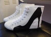 Недавно высокий каблук Последнее печати черно-белых женщин кроссовки