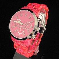 Наручные часы Stylish Red Ladies Womens Analog Quartz Wrist Watches