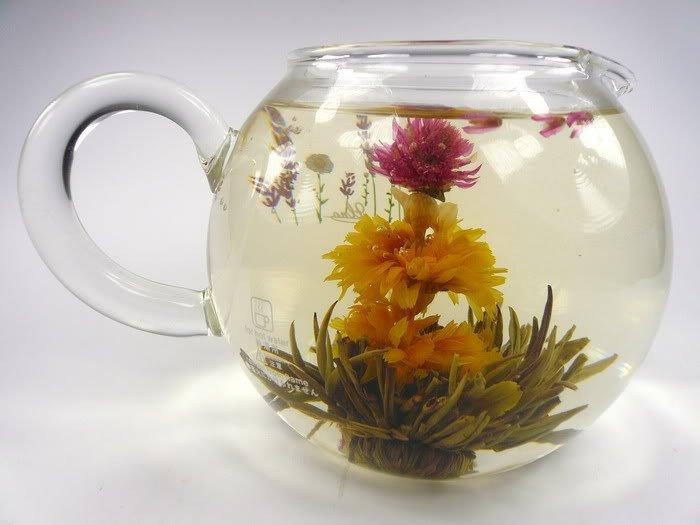 Завариваем чай в чайнике из исинской глины