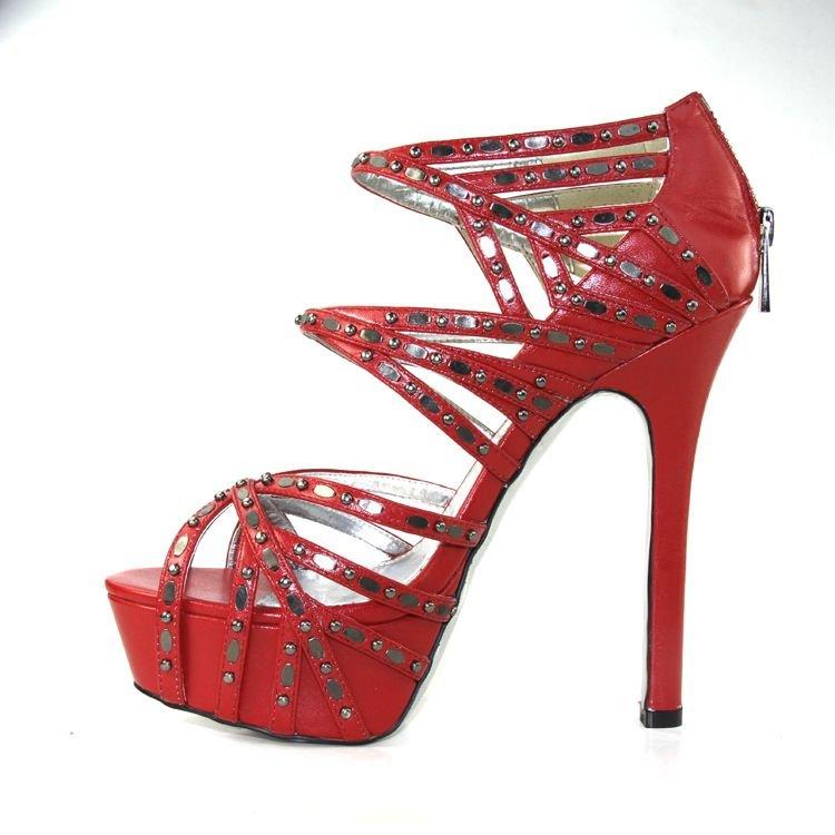 Red High Heels-117