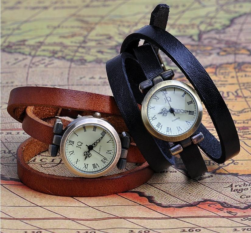 Часы с длинным ремешком - отличный аксессуар, привлекающий внимание. Купить часы можно в Москве - недорого