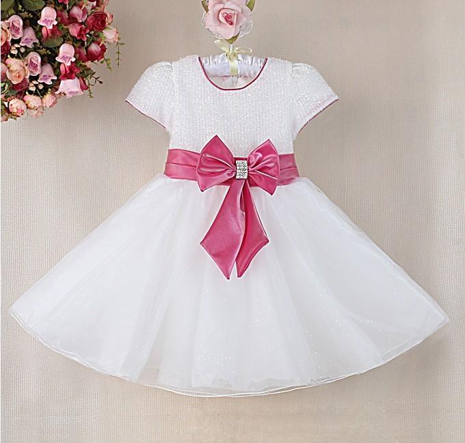 Нарядное платье салатового цвета