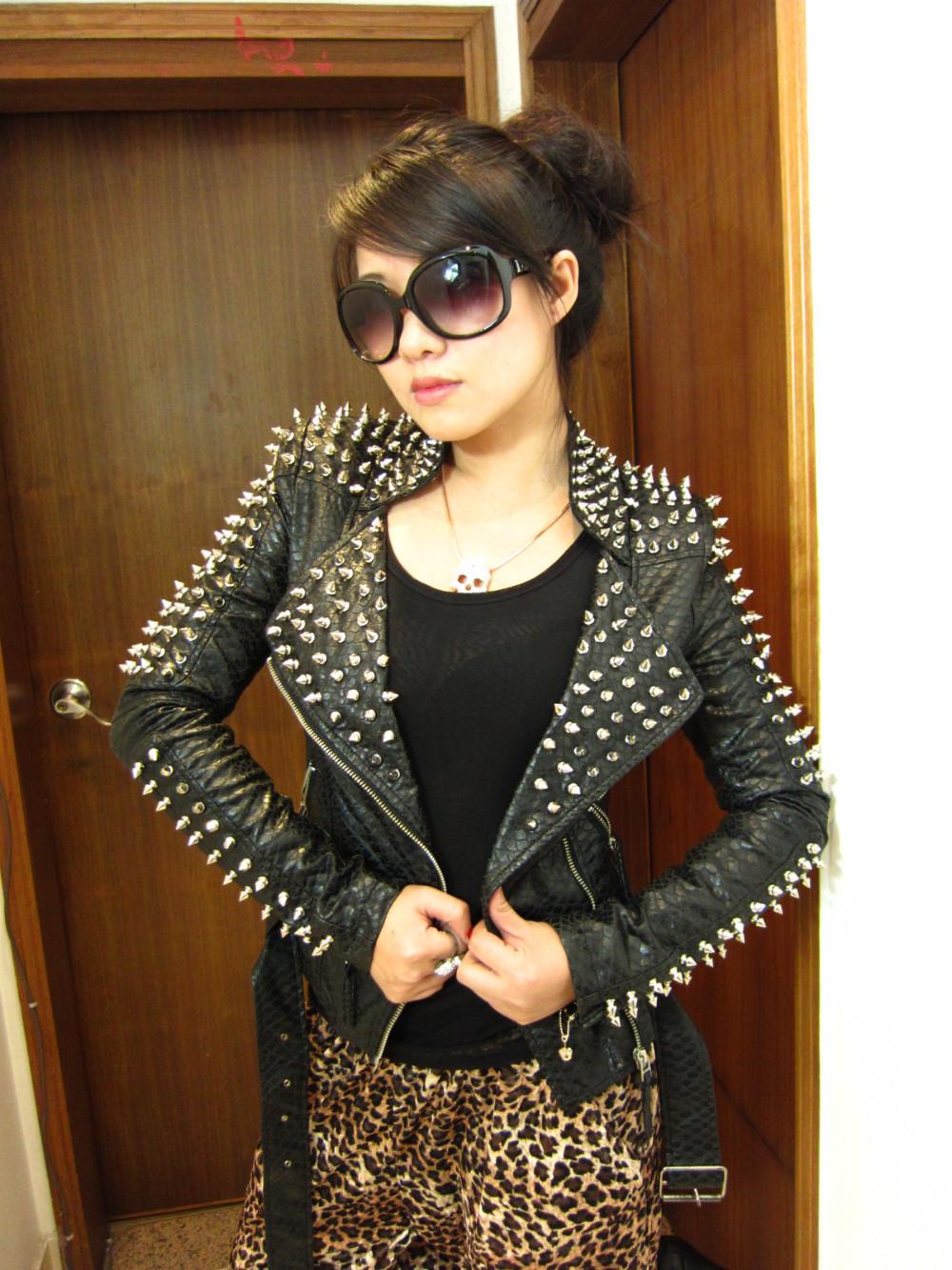 Куртка косуха женская с шипами