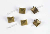Клепки для одежды 100pcs New Fashion 8mm DIY Spike Square Stud Rivets Punk Bag Belt Leathercraft Silver 5376