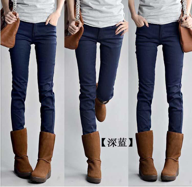 модели в кожаных юбках