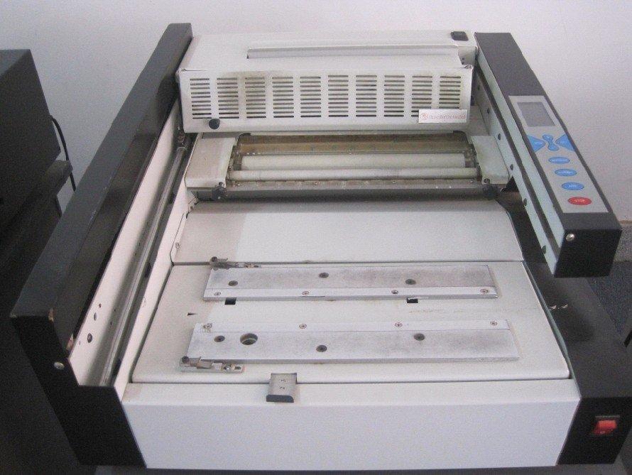 Desktop-Klebebindemaschine