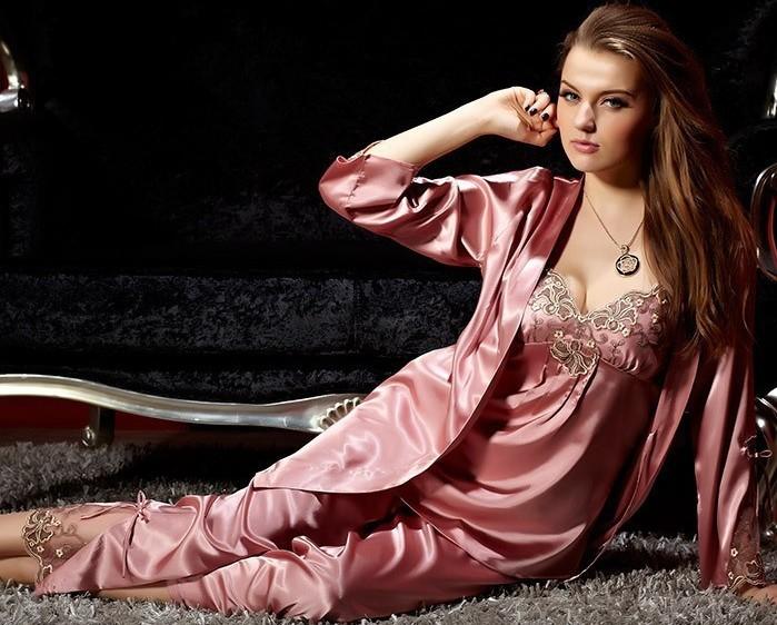 Купить женский шелковый костюм с доставкой