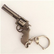 2016-Popular-Hot-Game-Cross-Fire-Weapon-Gun-Key-Chains-Wholesale-Cool-CF-Metal-Pistol-Keychains