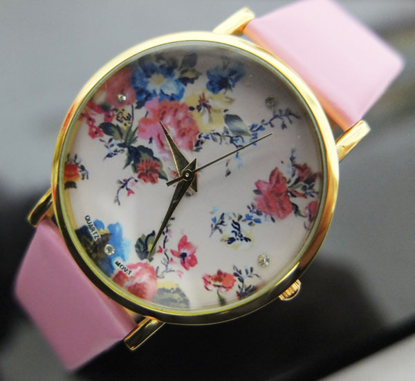 women watch1 (13)