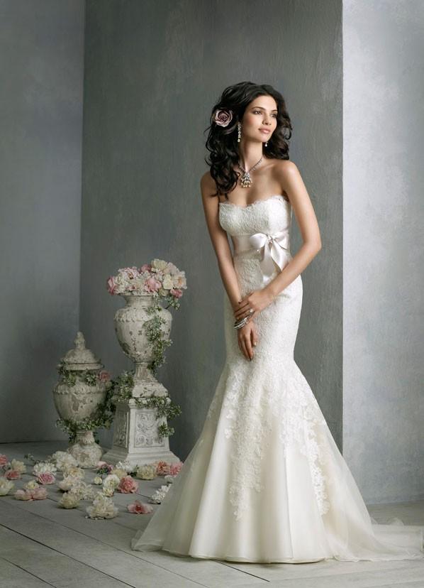 jim-hjelm-bridal-silk-organza-trumpet-gown-strapless-ace-body-skimming-empire-satin-ribbon-chapel-train-8850_zm
