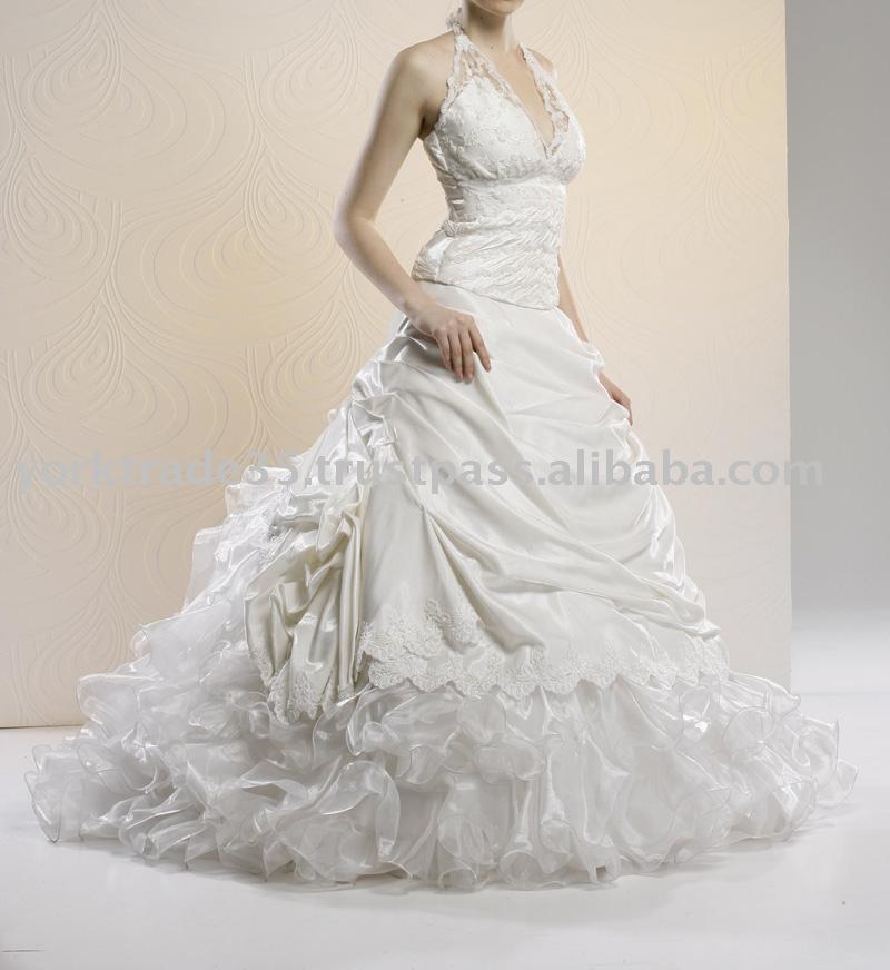 beautiful white wedding dress fancy