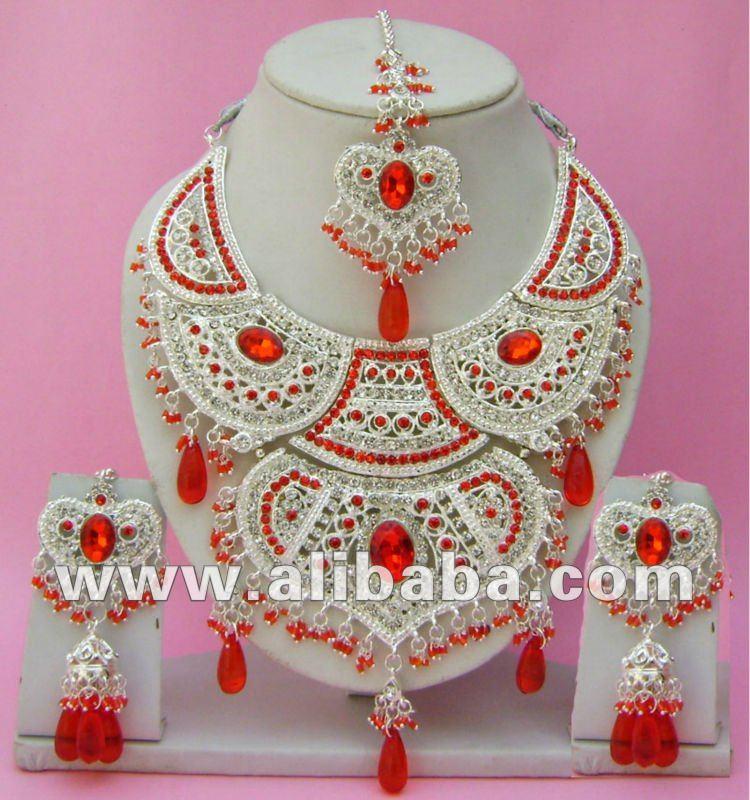 latest girl fashion: Beautiful Jewelry Collection