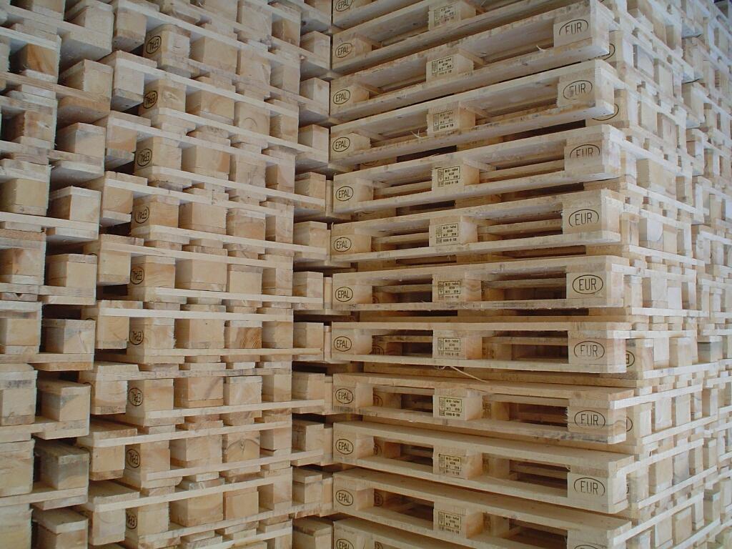 """پالت """"چوبی"""" و """"پلاستیکی"""""""