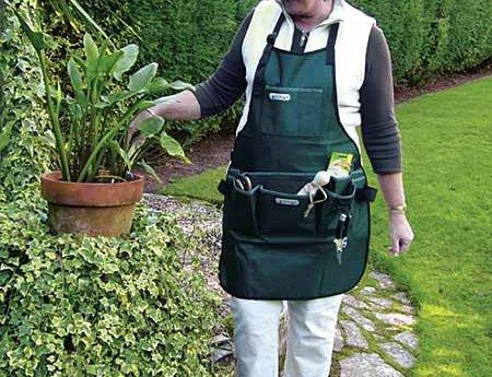 Los elementos de un jard n un delantal de jardiner a for Elementos de jardineria