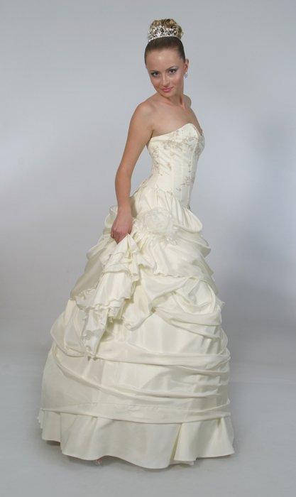 Булчински рокли Atianas_Wedding_Gown_Adrianna