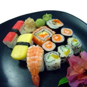 http://img.alibaba.com/photo/11302893/Frozen_Maki_Sushi.jpg
