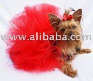 A roupa da camisa da saia do fato do feriado do cão de animal de estimação veste o tutu vermelho do cão