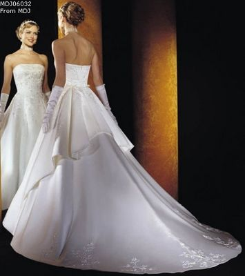 Classic and Elegant Wedding Gown from Alibaba