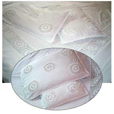 des couvre lit en crochet crochet patterns. Black Bedroom Furniture Sets. Home Design Ideas