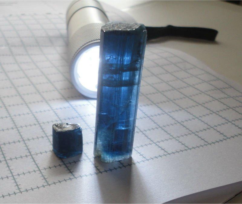 Les grandes familles de pierre, les tourmalines BLUE_TOURMALINE_BRASIL