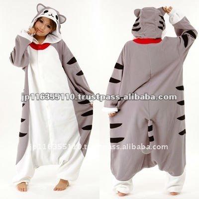 gris gato traje kigurumi kawaii para ropa de dormir y divertido en el