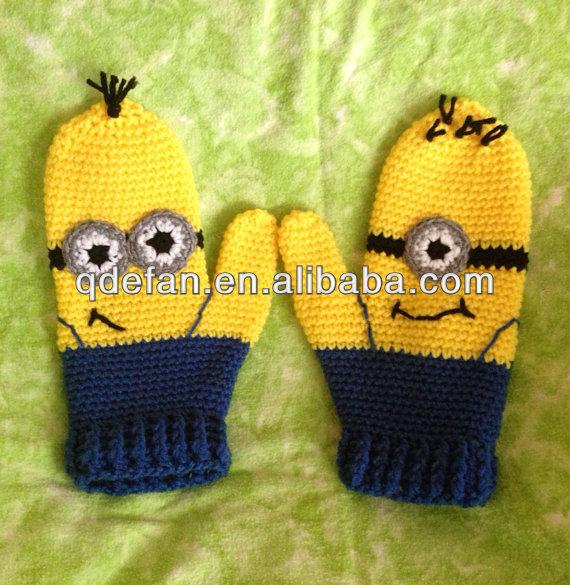 móc khăn 2013_hand_made_knitted_cartoon_baby_mittens_crochet_minion_mittens_for_winter
