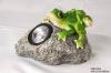 2 Frogs Groveling Stone  Solar Spot Light