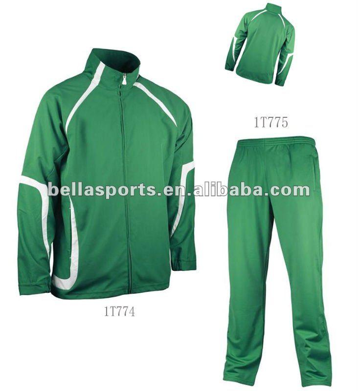 Зеленый костюм мужской спортивный