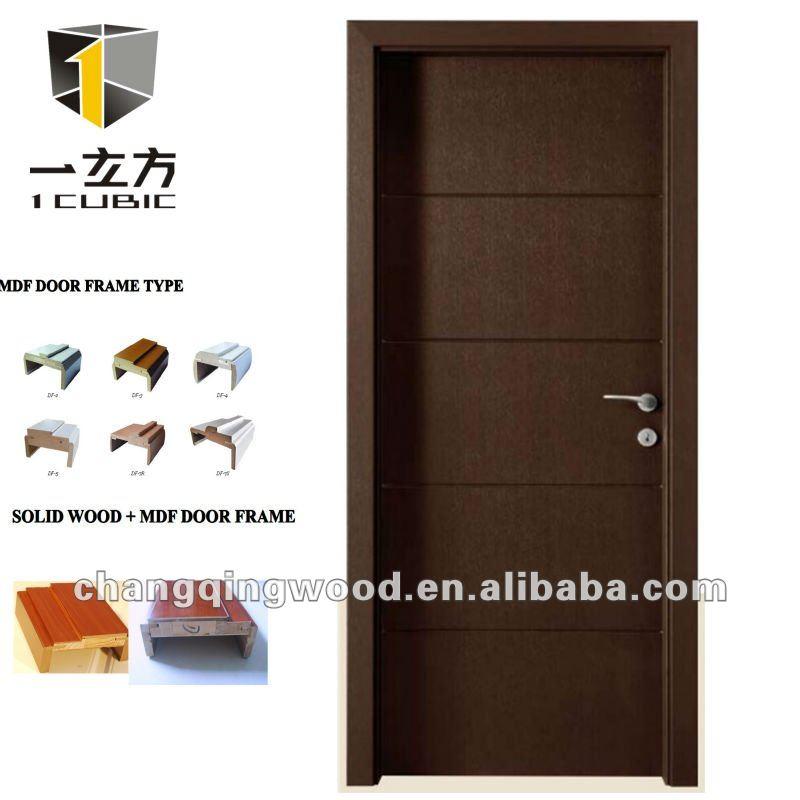en el interior moderno de madera puertas