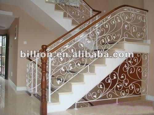 ... de hierro forjado de hierro cerca de barandillas de escalera de