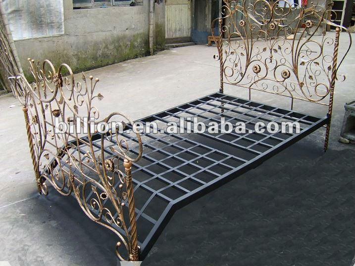 2012 china fabricante nuevo dise o forjado cama de hierro antiguo camas decorativa hermosa camas - Camas de hierro antiguas ...