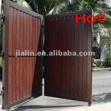 Cancello per la casa cancello e la porta porta e gat for Finestra motorizzata prezzo