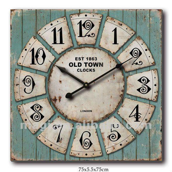 Vieille horloge de mur unique en bois minable de cru  ~ Vieille Horloge En Bois