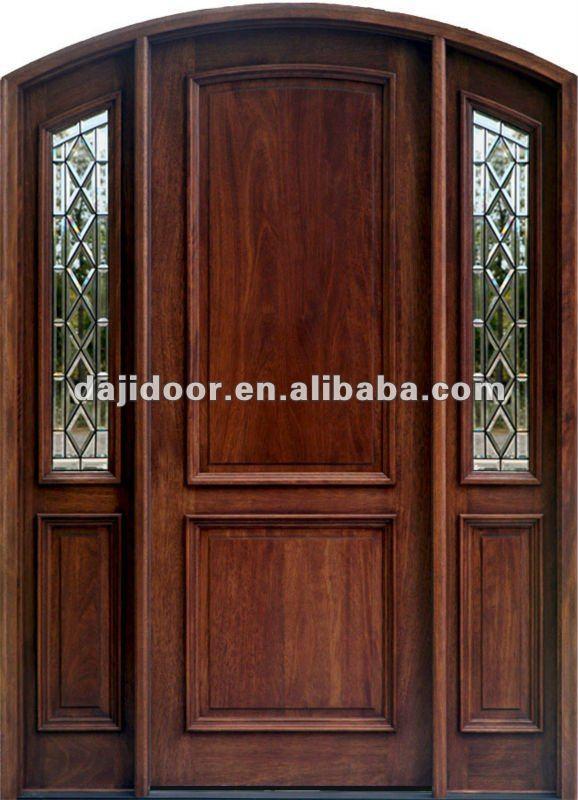 Entrada arco de madera de dise o puertas con la cara de for Ver disenos de puertas de madera