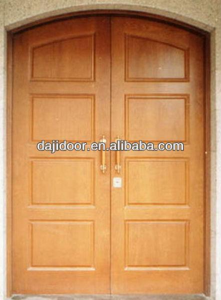 De estilo r stico arco de exterior de madera de la puerta for Puertas dobles de madera