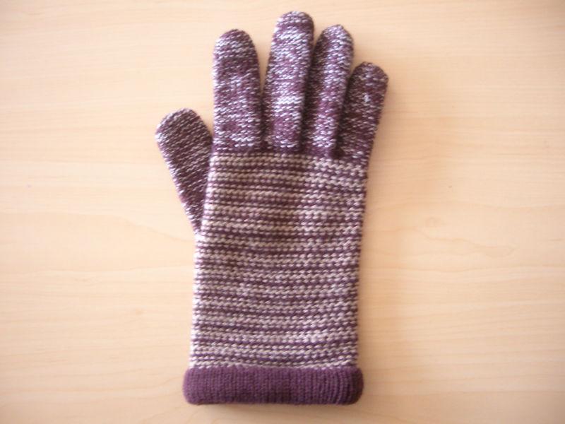 موديلات الكروشي تحفة fashion_kids_crochet_finger_gloves.jpg