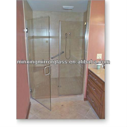 Casa moderna roma italy porte in vetro per doccia - Porta doccia vetro ...