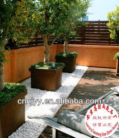 Suelos para jardin simple terraza suelo madera sofa - Suelos para jardines pequenos ...