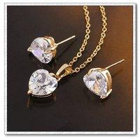 Corazón de la moda forma cz joyas conjunto, de cobre con oro 18k, la configuración de collar de la joyería, colgante y pendientes, collar gratis (China (continental))